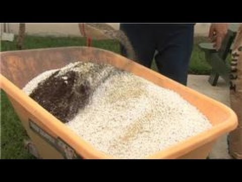 Home Gardening Tips : How to Prep Garden Soil