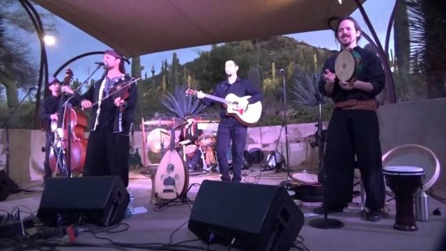 Traveler (acoustic) – Kanoo Ya Habibi – 4/17/2015 – Live Desert Botanical Garden