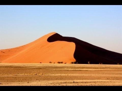 Namibia Travel Guide – The Desert Landscape of Sossusvlei