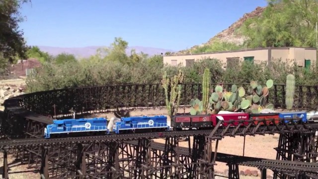 The Living Desert ?? G Scale Model Train ?? Palm Desert CA, May 2012