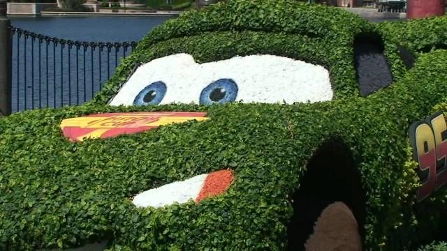 Epcot Flower & Garden Disney Pixar Cars 2 Lightning McQueen, Mater Topiary 3/6/12