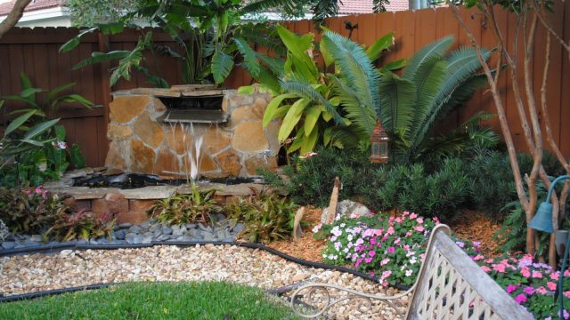 Beautiful & Inexpensive Landscaping Ideas
