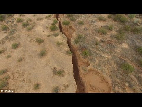 After Antarctica, Two Miles Large CRACK Found in Arizona Desert [EARTH to Split]