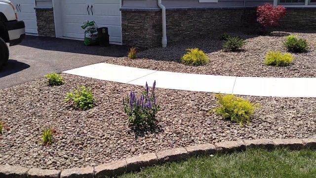 Low maintenance landscape design ideas for front yards in Gettysburg – Ryan's Landscaping
