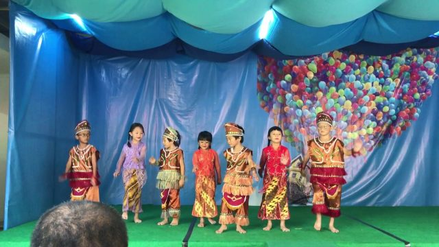 Performing Traditional Dancing by Students of Bekasi Montessori School ( Upper B Class 2017)