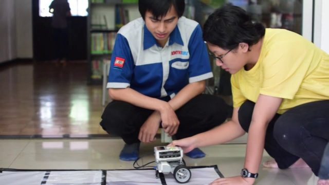 Robotics Workshop Bogor Montessori School