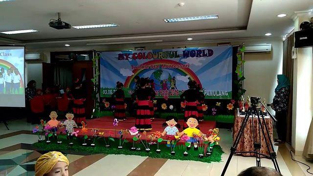 Zakiya's Graduation 3 jun 2017. Twinkle Star Montessori Pamulang