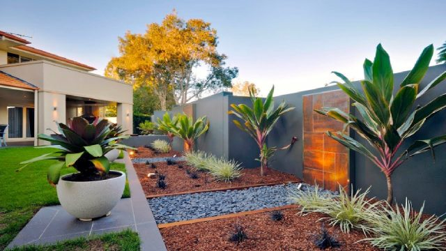 25 Best Brisbane Landscaping Ideas and Backyard Garden Designs