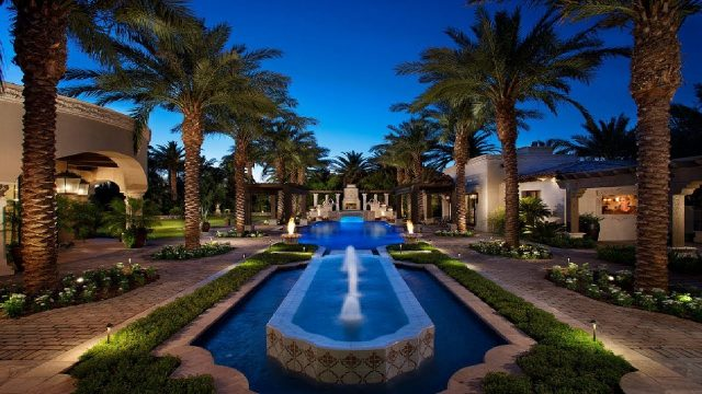 25 Best Landscaping Ideas and Backyard Design Ideas for Phoenix, AZ