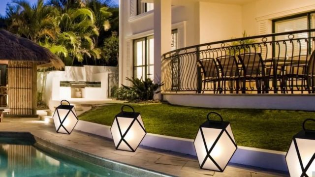 A-Z Creative Outdoor Lighting Ideas (Backyard, Front Yard, Garden, Patio, Pool, etc)