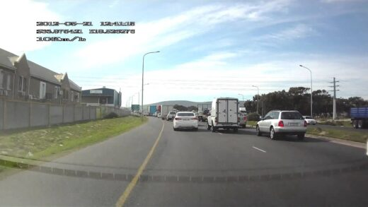 Bad driving-Bosmansdam Road, Montague Gardens, Cape Town 3
